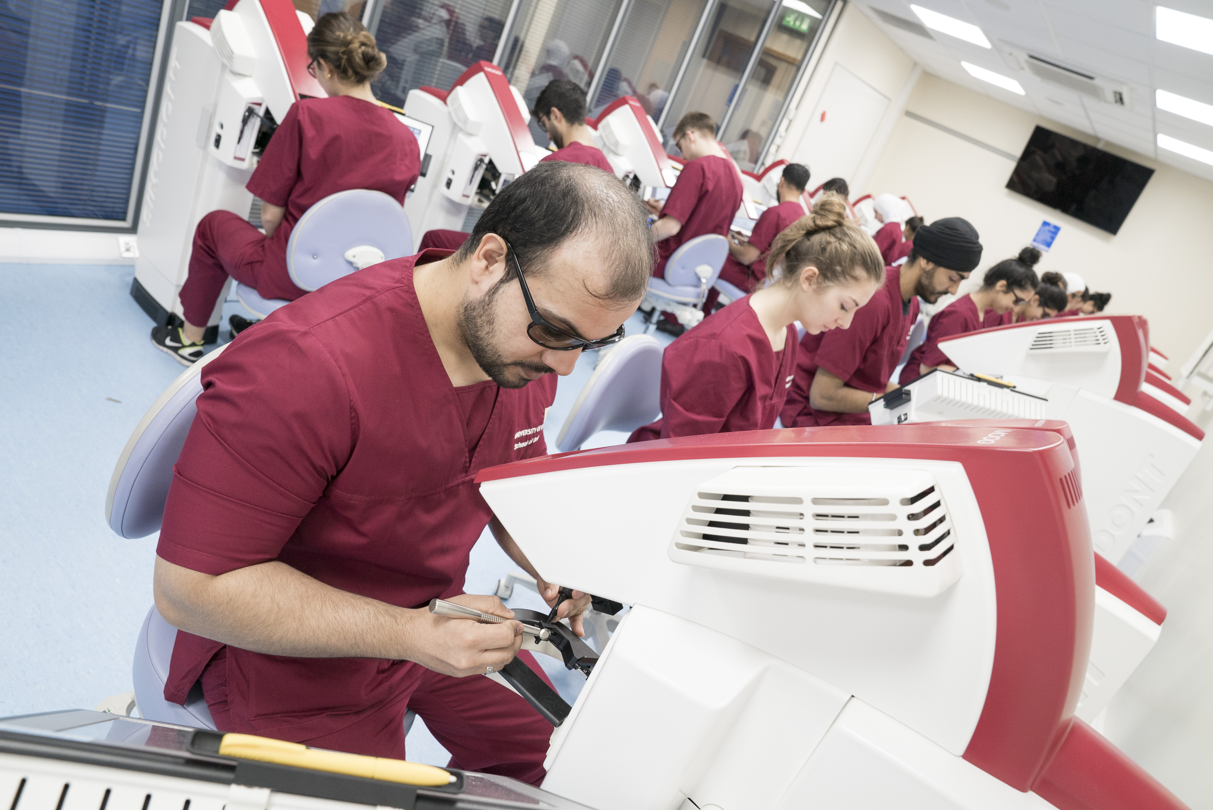 Dentistry students - Leeds Centre for Immersive Technologies