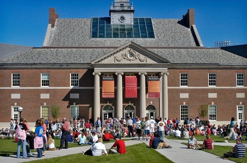Students outside a University of Cincinnati building